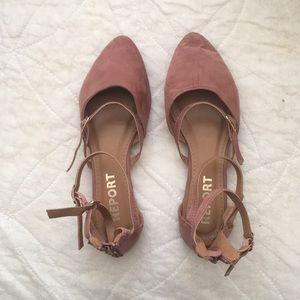 Report footwear flats